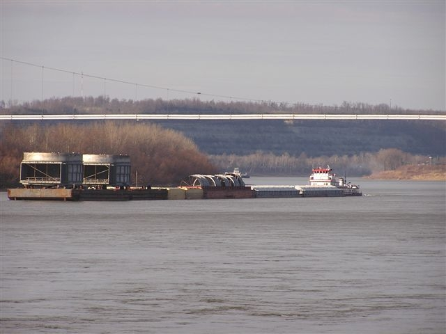 Wide load on the river 12-14-06 005.JPG